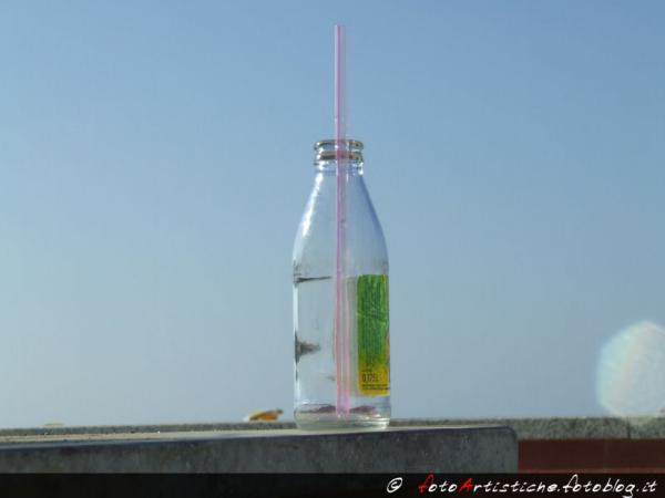 Bottiglia al sole